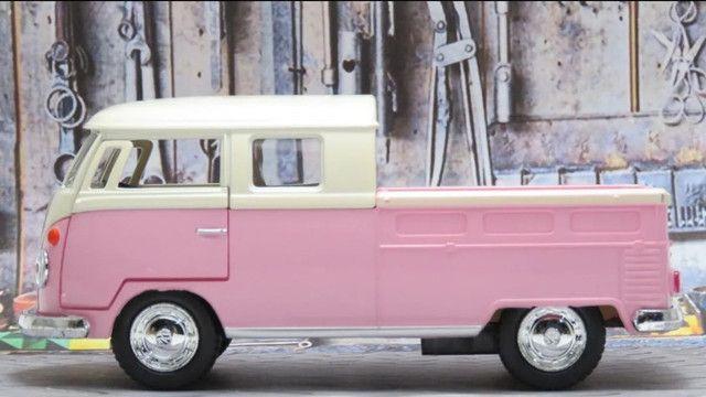 Miniatura 1963 Volkswagen Bus Double Cab Kombi 1/34 Kinsmart