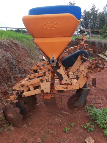 Cultivador de cana queimada Marca DMB de 2 linhas - Foto 2