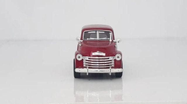 Miniatura Chevrolet Suburban 1950 Vermelha - Foto 3