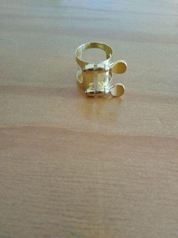 Sax Alto - Clarinete - Abraçadeira Dourada - Foto 2