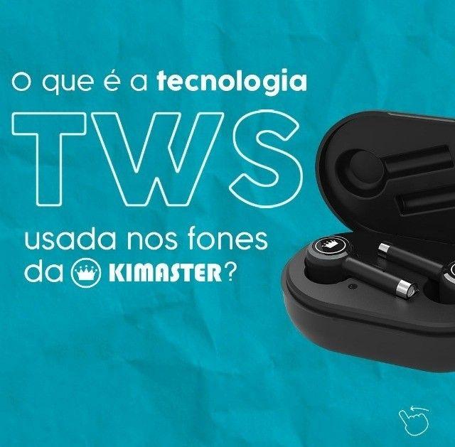 Fone Kimaster TWS 100 original, bluetooth 5.0. Longa autonomia de 7h. 14h extra no estojo