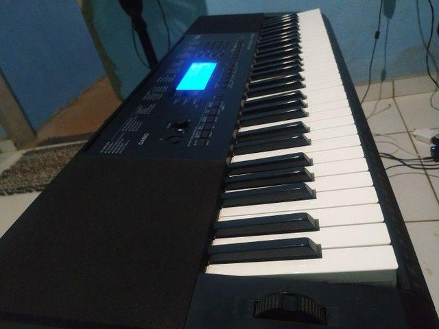 Vendo Teclado Musical Casio CTK 5200 - Foto 4