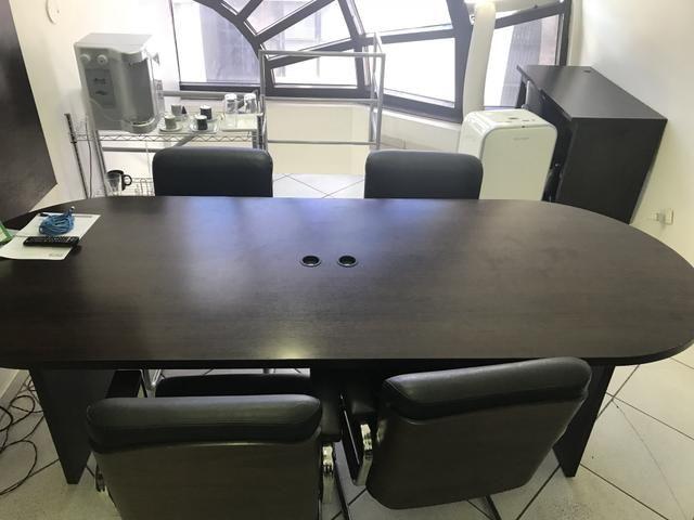 Vendo mesa de reunião da Tokstok e linha Lavoro