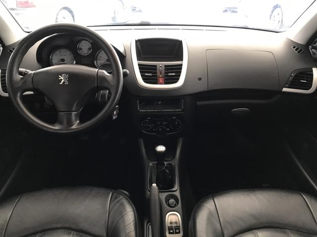 Peugeot 207 XR 1.4 Flex 2013 - Foto 9