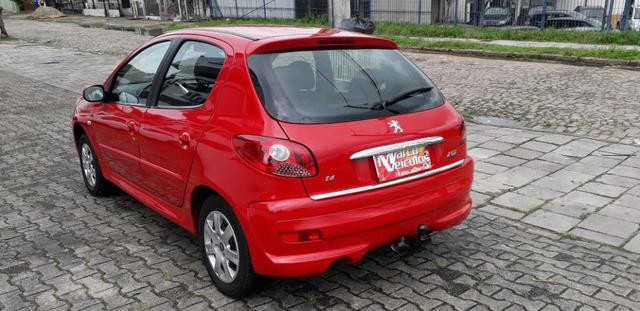 Peugeot 207 xr 1.4 ano 2011 completo - Foto 4