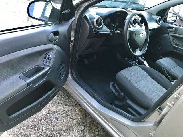 Ford Fiesta Hatch 1.0 2014 - Completo - Foto 8