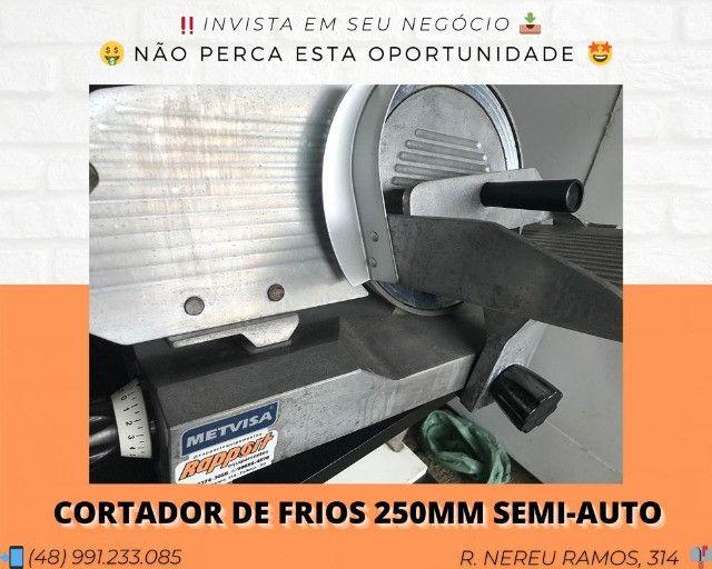 Cortador de frios semiautomático - Matheus