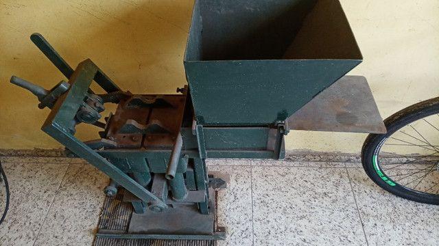 Prensa produção tijolos ecológicos