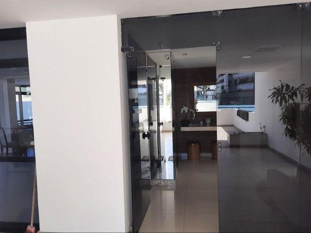 Apartamento com 2 dormitórios, sendo 2 suítes, 70 m² por R$ 1.400/mês - Cond. Solar do Atl - Foto 17