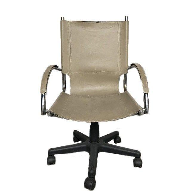 Cadeira giratória com rodinha Tok Stok