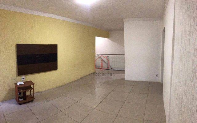 OPORTUNIDADE: Casa de 2 Pavimentos com 4 dormitórios (1 suíte) à Venda, 192 m² por R$ 280. - Foto 12