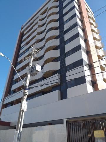 Apartamento Farol três quartos novos - Foto 6