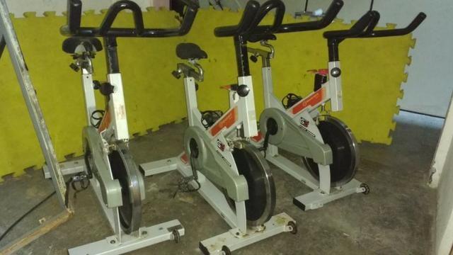 Três unidades de Bike de spinning