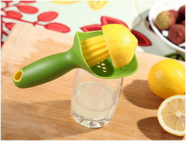 Espremedor Fruta Manual c/ Separador de Sementes em Silicone