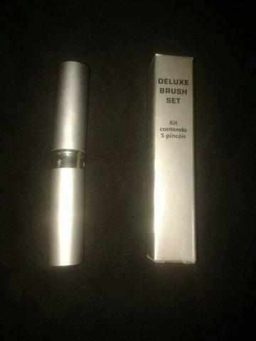 Kit de maquiagem set brush deluxe avon - Foto 2