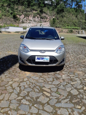 Fiesta Hatch 1.6 - Completo - Foto 11