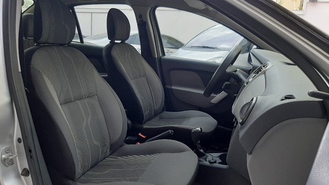 2. Renault Logan Expression 1.6 16v - Oferta!!! - Foto 5