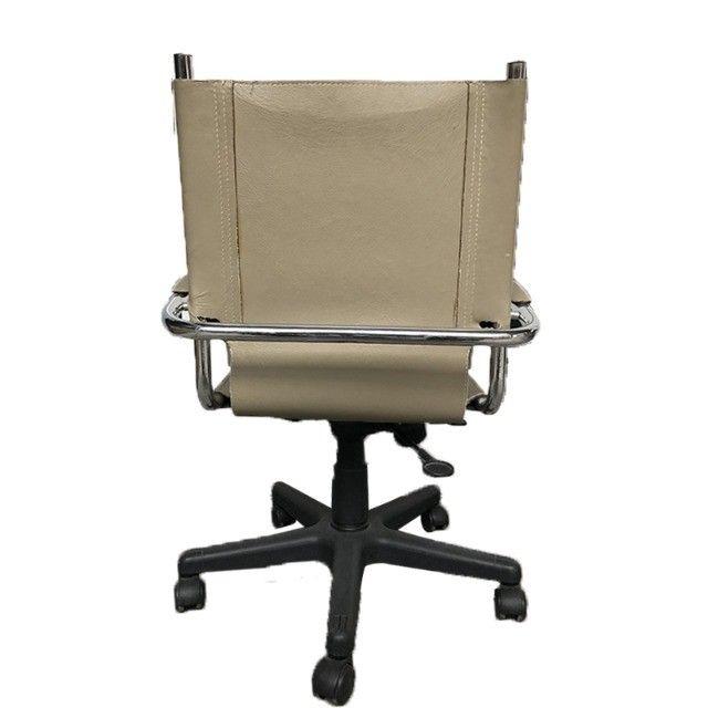 Cadeira giratória com rodinha Tok Stok - Foto 3