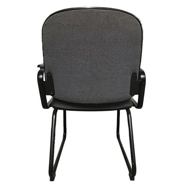 Cadeira para escritório sala de espera com apoio de braços e cor cinza - Foto 3