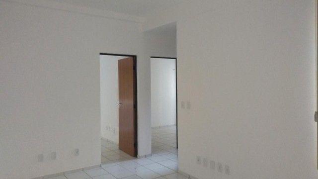 Cond. Margens do Poty ,Apartamento com 3 Quartos,  sendo 01 suite, banheiro social.R$ 800 - Foto 2