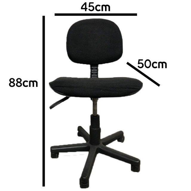 Cadeira giratória para escritório em tecido preto estado de nova - Foto 4
