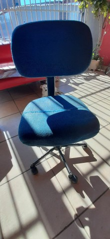 Vendo mesa é cadeira - Foto 2