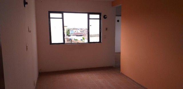 Aluga-se apartamento Medeiros Neto 1