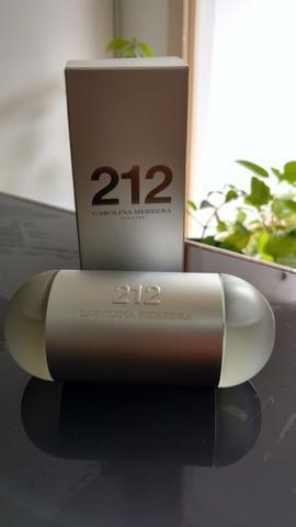 Perfume 212 carolina Herrera - novo!