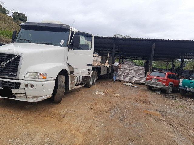 Caminhão Volvo NH 380