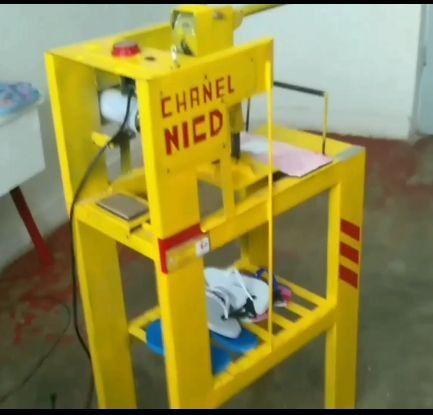 Máquina para fabricar chinelos - Foto 3