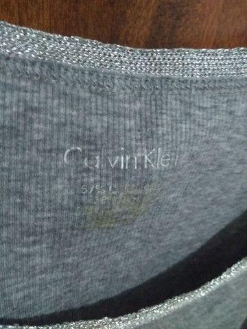 Regata  cinza da Calvin Klein - Foto 2
