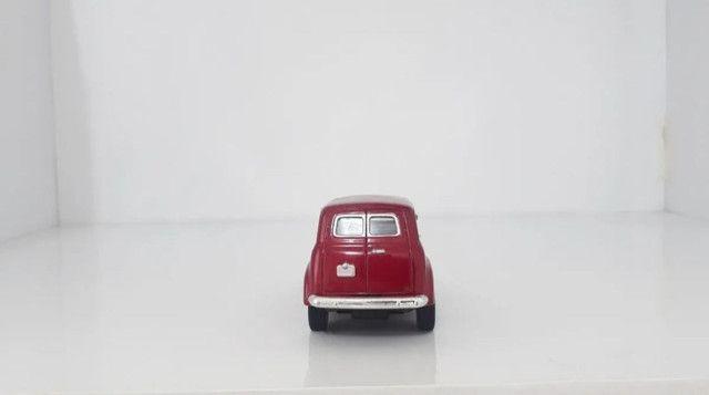 Miniatura Chevrolet Suburban 1950 Vermelha - Foto 2