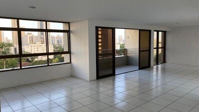 Luxuoso apartamento para venda com 200 metros quadrados com 4 quartos no Parnamirim - Foto 3