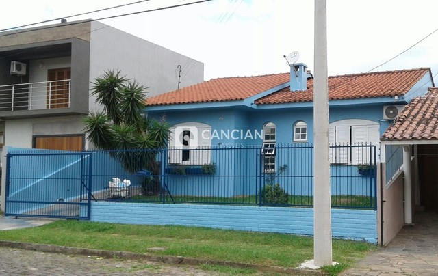 Casa 4 dormitórios à venda Camobi Santa Maria/RS