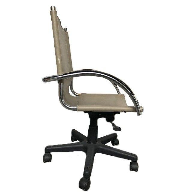 Cadeira giratória com rodinha Tok Stok - Foto 2