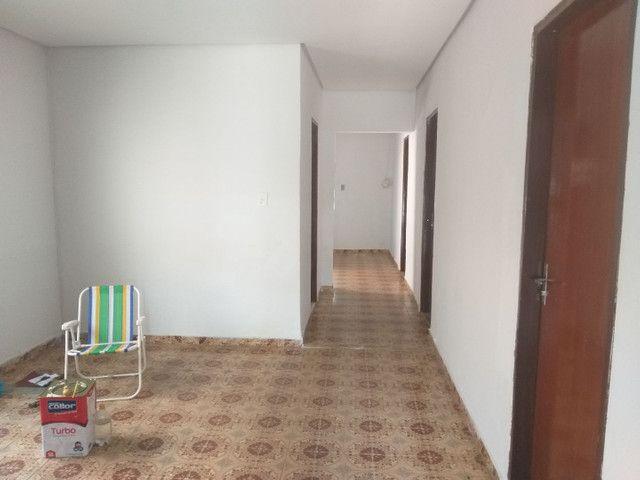 Casa em Campinas c/ 3qts + barracão 4 comodos - Foto 2