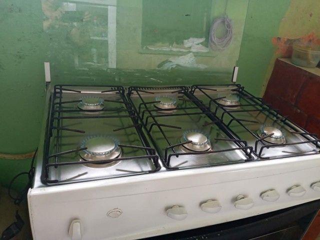 Vendo esse fogão  de 6 bocas bem conservado  não é eléctrico