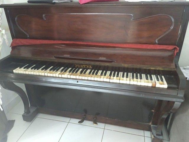 Piano de Estante Pleyel