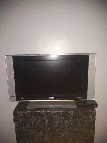 TV Philips cinza