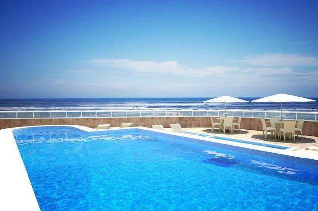 Magnifico 2 dorm 2 vagas privativas sacada gourmet 16 mil de entrada frente pro mar - Foto 3