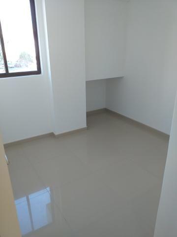 Apartamento Farol três quartos novos - Foto 5