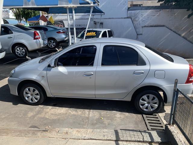 Etios 1.5 X Sedan 2014 - Foto 2