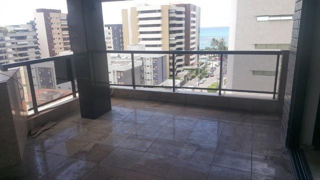 3 anos de condomínio free, cobertura com 450m2 na ponta verde