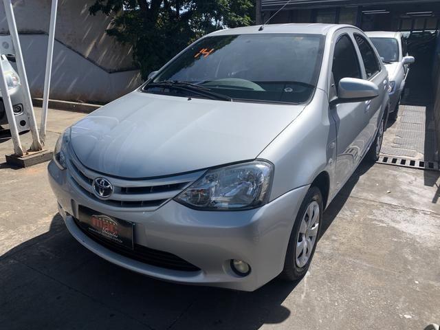 Etios 1.5 X Sedan 2014 - Foto 6