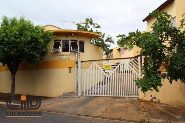 Sobrado com 3 dormitórios para alugar, 100 m² por r$ 1.400,00/mês - jardim kennedy - cuiab