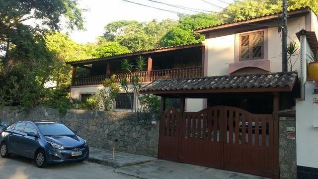 Casa em Itaipu, 4 quartos, perto da praia, 450m2 de casa