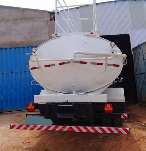 Ford cargo 2422 pipa - Foto 3