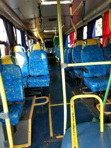 Ônibus rural Mercedes Bens Induscar Apache A