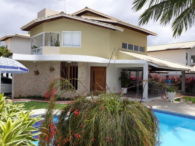 Casa para Venda em Camaçari, Guarajuba, 5 dormitórios, 4 suítes, 6 banheiros, 1 vaga