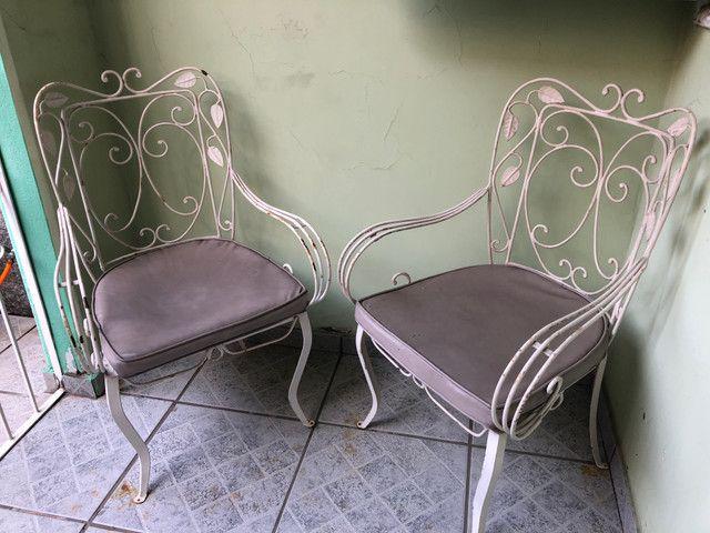 Cadeiras e mesa de ferro/50/60 anos - Foto 3